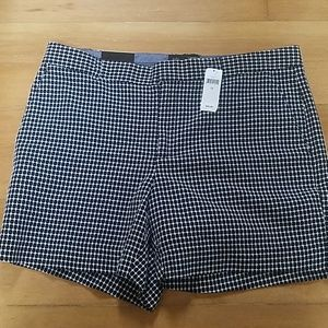 Banana Republic Size 12 Shorts Black White